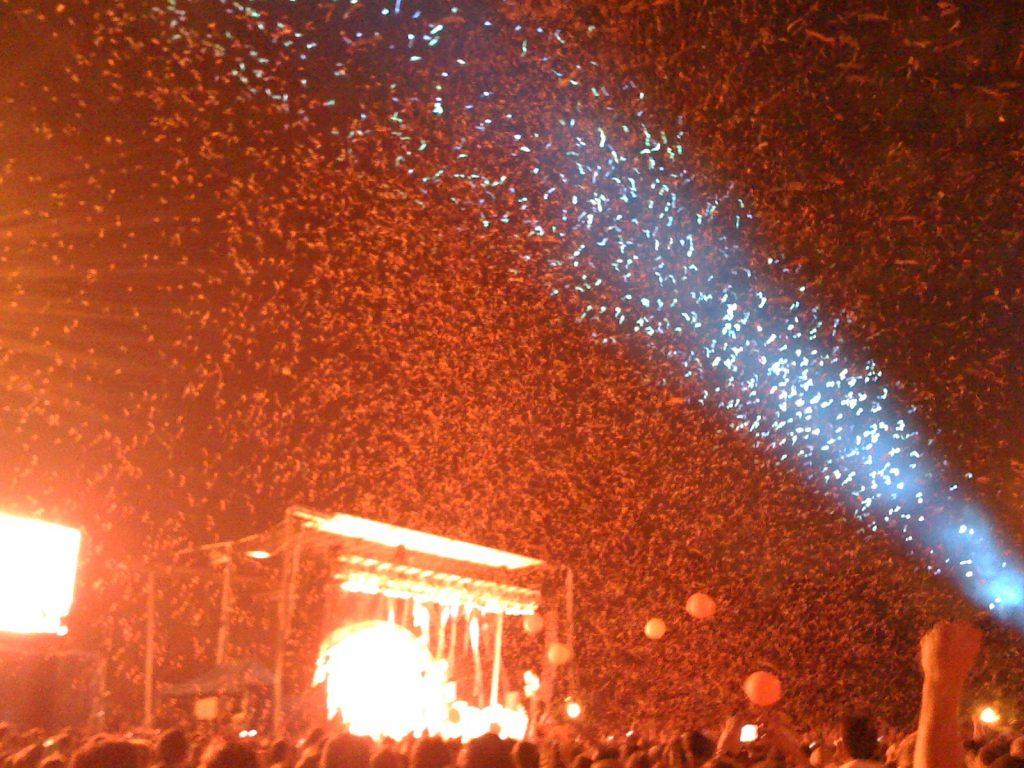 Flaming Lips confetti spotlight, Chicago